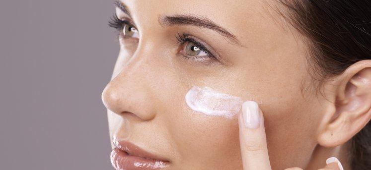 Увлажнение зрелой кожи: как замедлить старение?